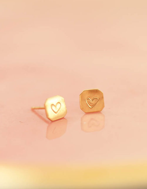 gold heart studs, heart earrings, gold hearts