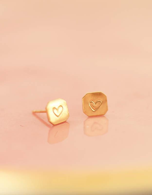 gold heart studs, heart earrings, gold hearts