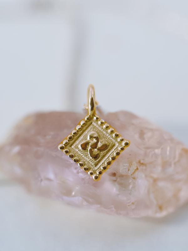 14k gold flower charm necklace